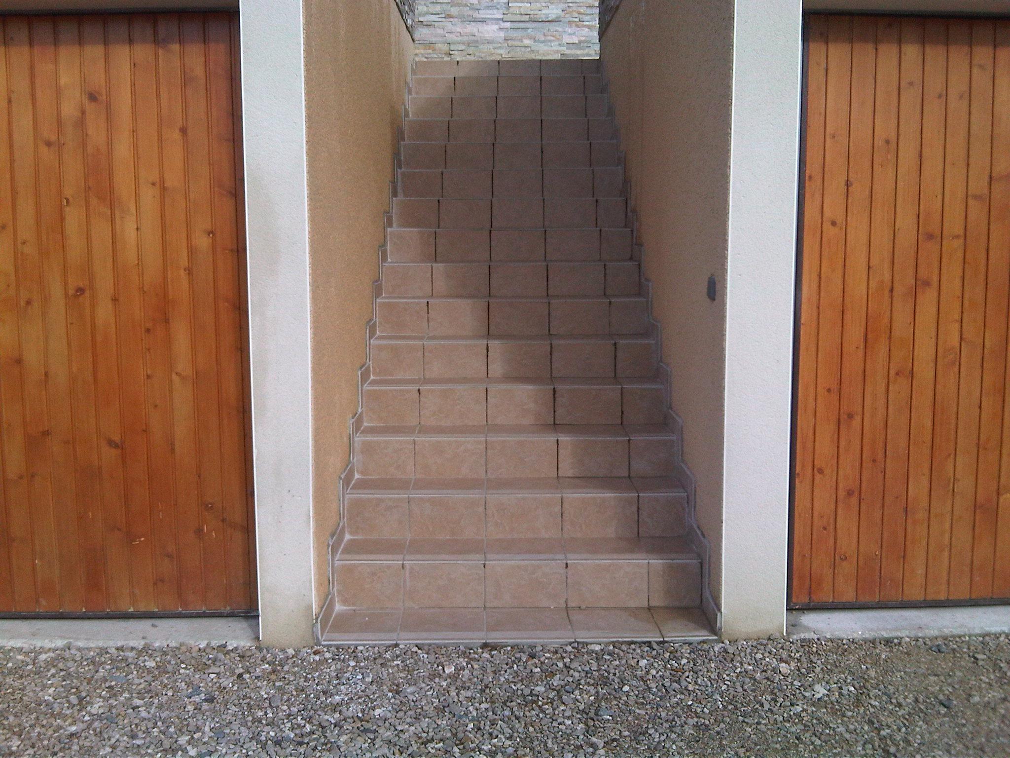 21_escalier pour st cergues en carrelage